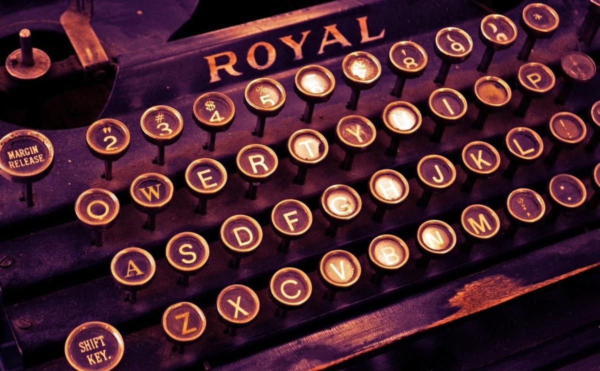 Royal typewriter keyboard to write letters to Congress
